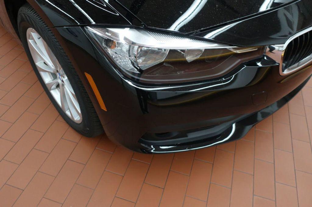 2017 BMW 3 Series 320i xDrive - 16704751 - 6