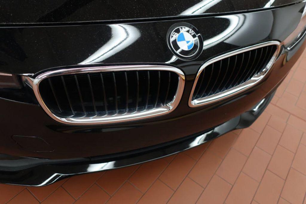 2017 BMW 3 Series 320i xDrive - 16704751 - 7