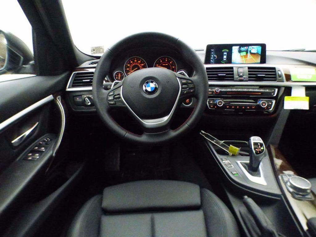 2017 BMW 3 Series 328d xDrive - 16924701 - 14