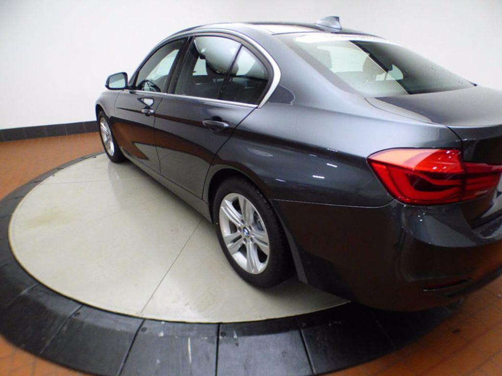 2017 BMW 3 Series 328d xDrive - 16924701 - 3