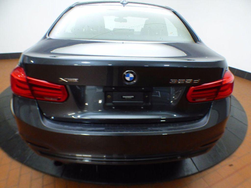 2017 BMW 3 Series 328d xDrive - 16924701 - 4