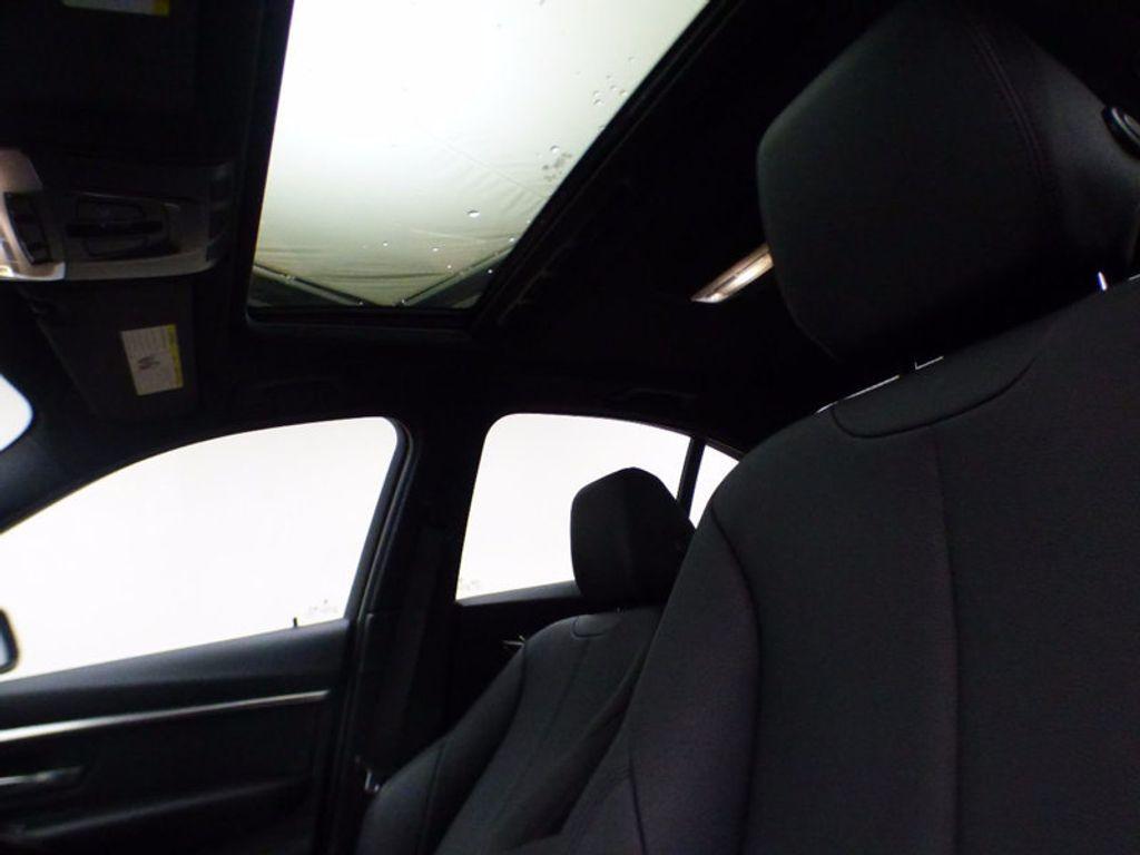2017 BMW 3 Series 328d xDrive - 16924701 - 7