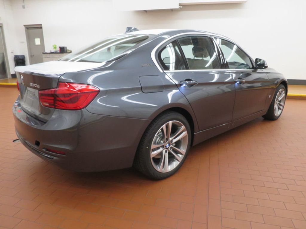 2017 BMW 3 Series 330e iPerformance Plug-In Hybrid - 16157687 - 3