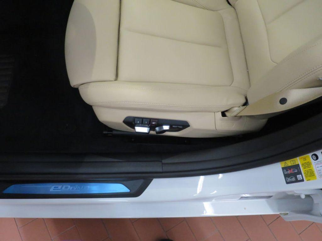 2017 BMW 3 Series 330e iPerformance Plug-In Hybrid - 16329538 - 14