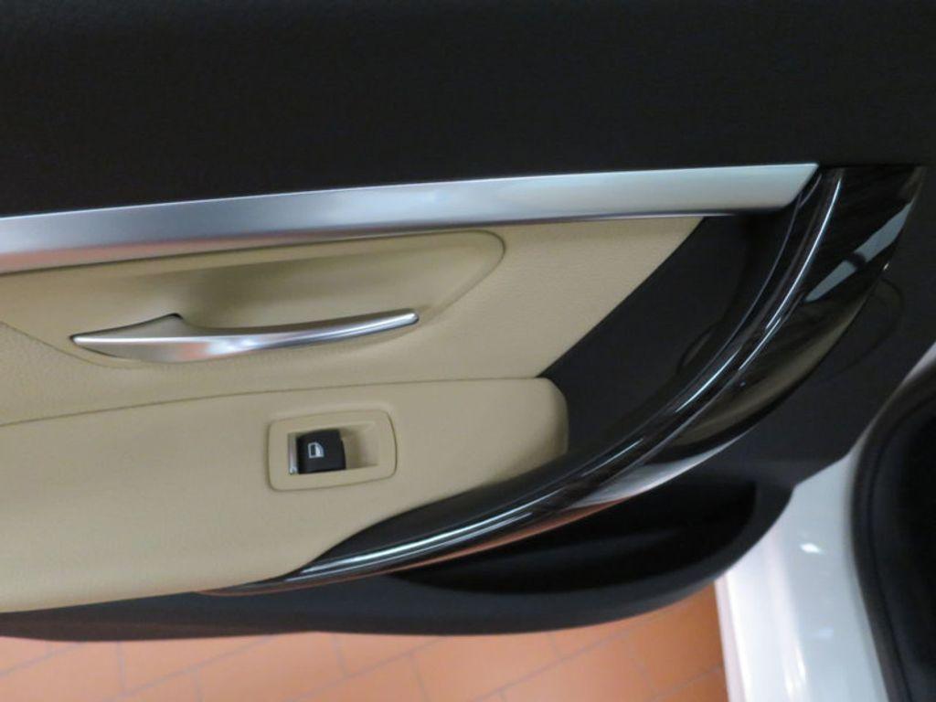 2017 BMW 3 Series 330e iPerformance Plug-In Hybrid - 16329538 - 19