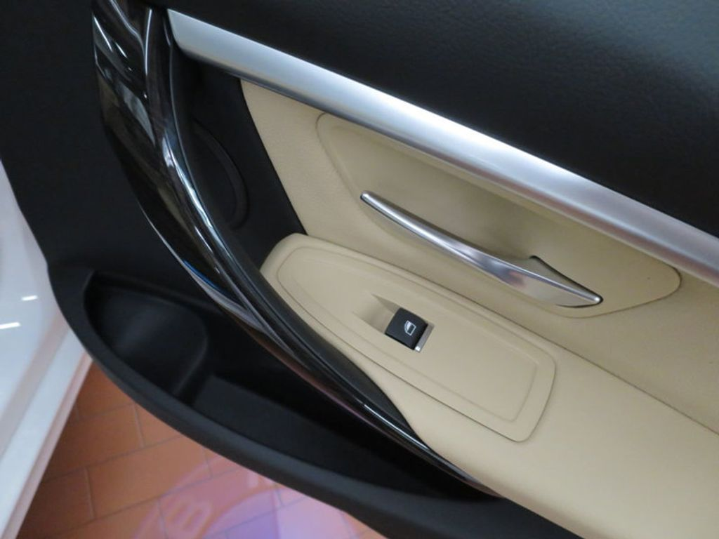 2017 BMW 3 Series 330e iPerformance Plug-In Hybrid - 16329538 - 25