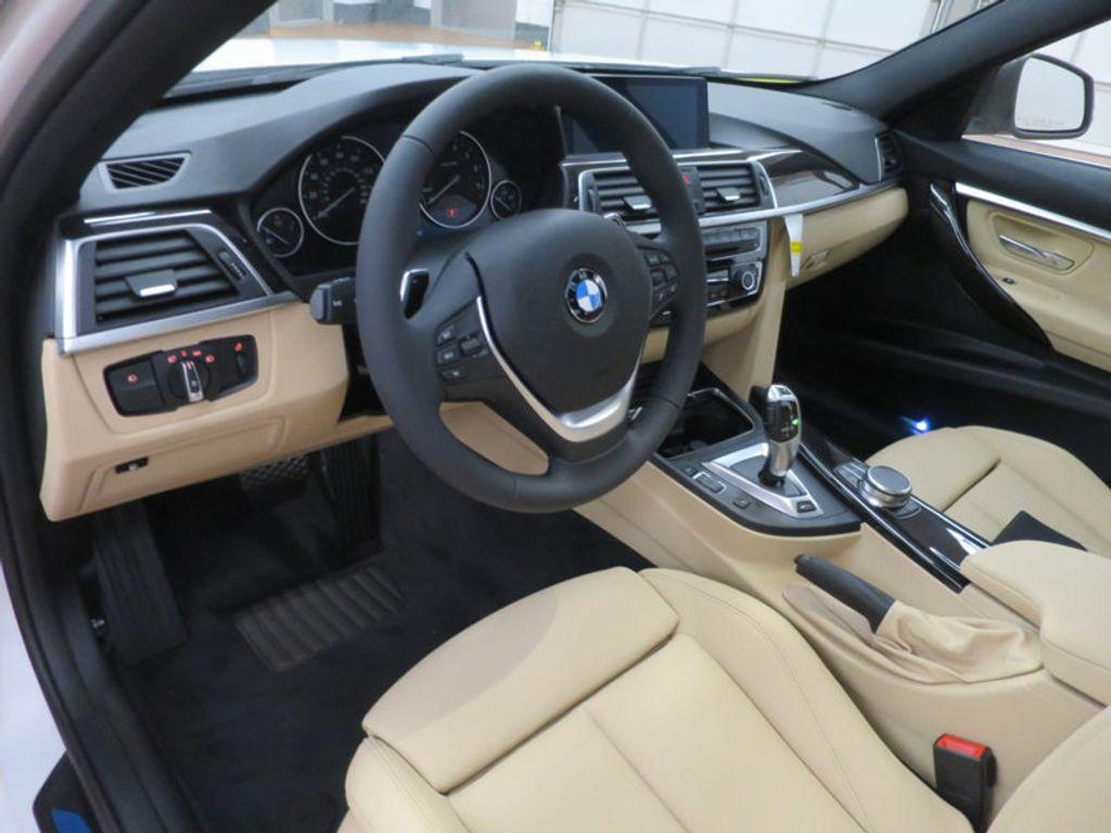 2017 BMW 3 Series 330e iPerformance Plug-In Hybrid - 16329538 - 32