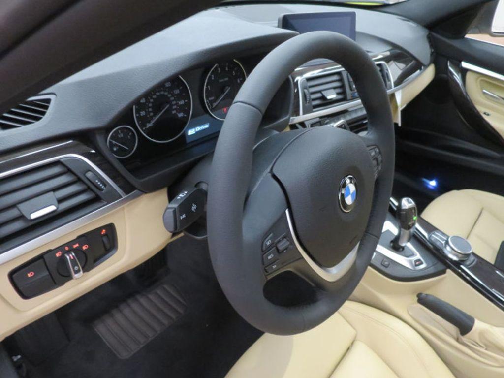 2017 BMW 3 Series 330e iPerformance Plug-In Hybrid - 16329538 - 33