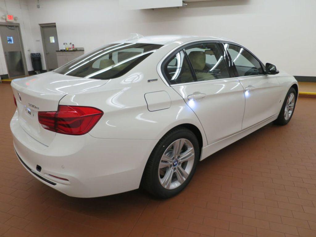 2017 BMW 3 Series 330e iPerformance Plug-In Hybrid - 16329538 - 3