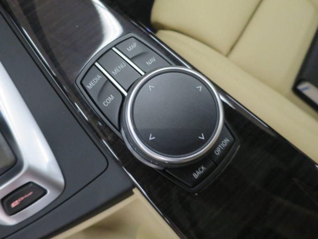 2017 BMW 3 Series 330e iPerformance Plug-In Hybrid - 16329538 - 44
