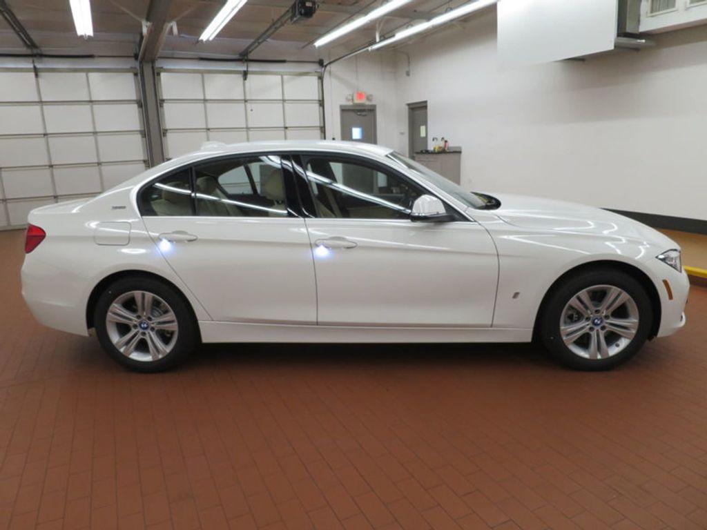 2017 BMW 3 Series 330e iPerformance Plug-In Hybrid - 16329538 - 4