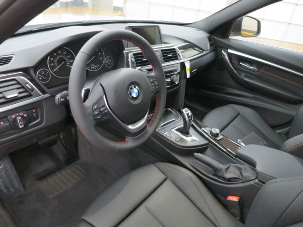 2017 BMW 3 Series 330i - 15659201 - 18