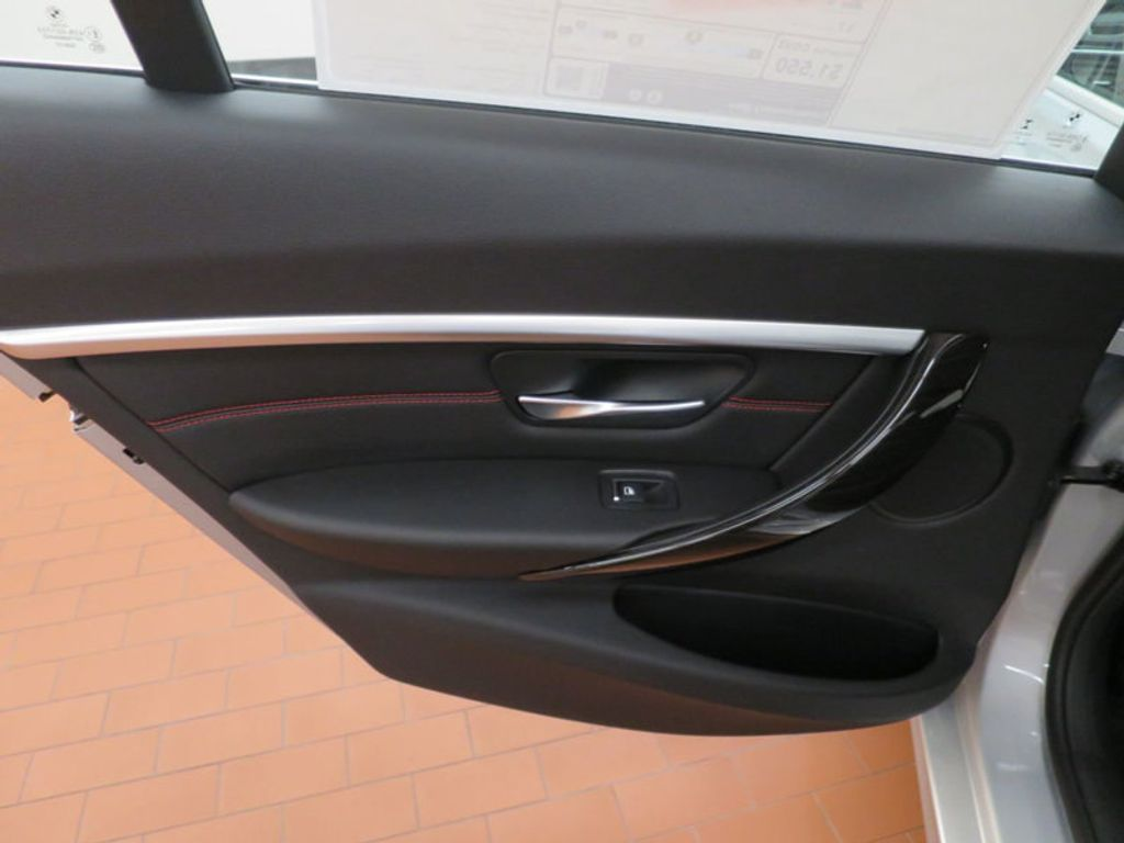 2017 BMW 3 Series 330i - 15659201 - 19