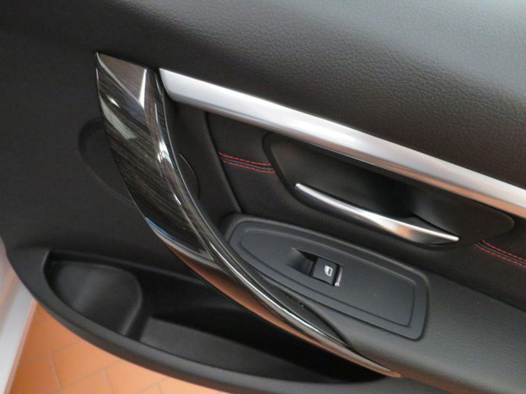 2017 BMW 3 Series 330i - 15659201 - 25
