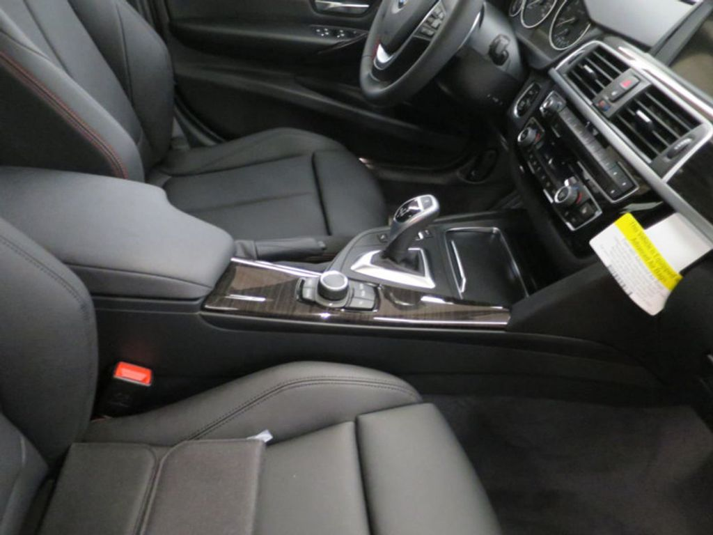 2017 BMW 3 Series 330i - 15659201 - 30