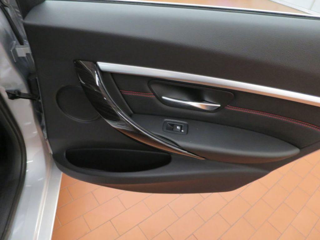 2017 BMW 3 Series 330i - 15659201 - 34
