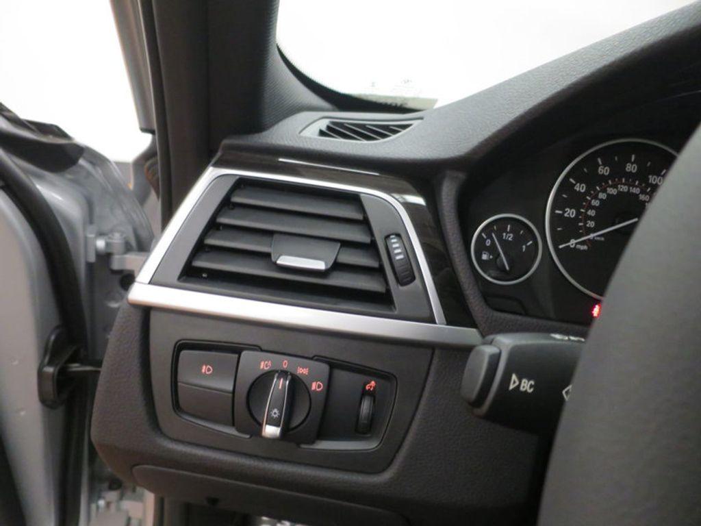 2017 BMW 3 Series 330i - 15659201 - 43