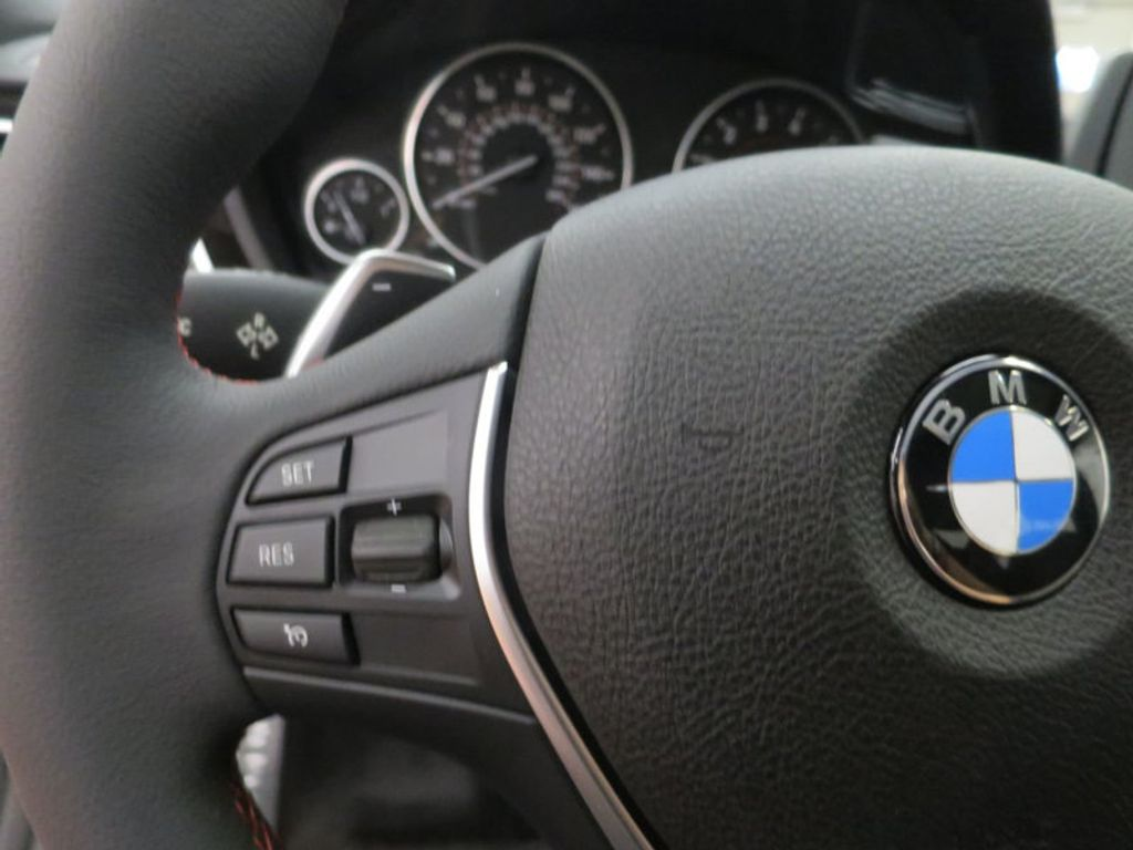 2017 BMW 3 Series 330i - 15659201 - 45