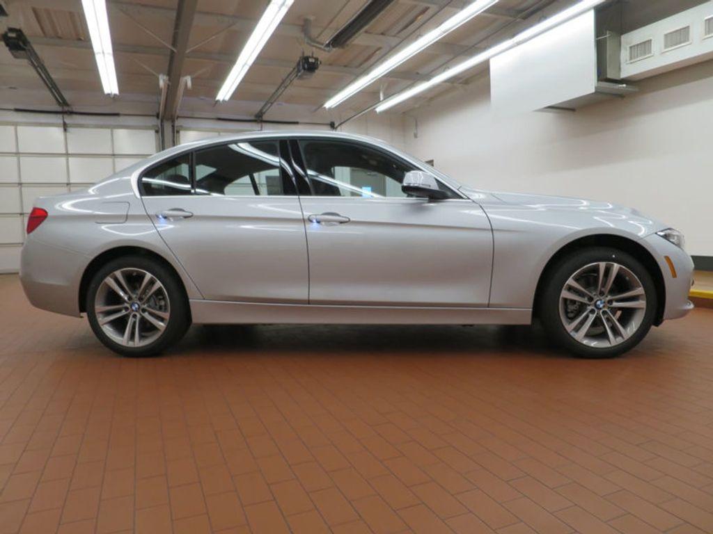 2017 BMW 3 Series 330i - 15659201 - 4
