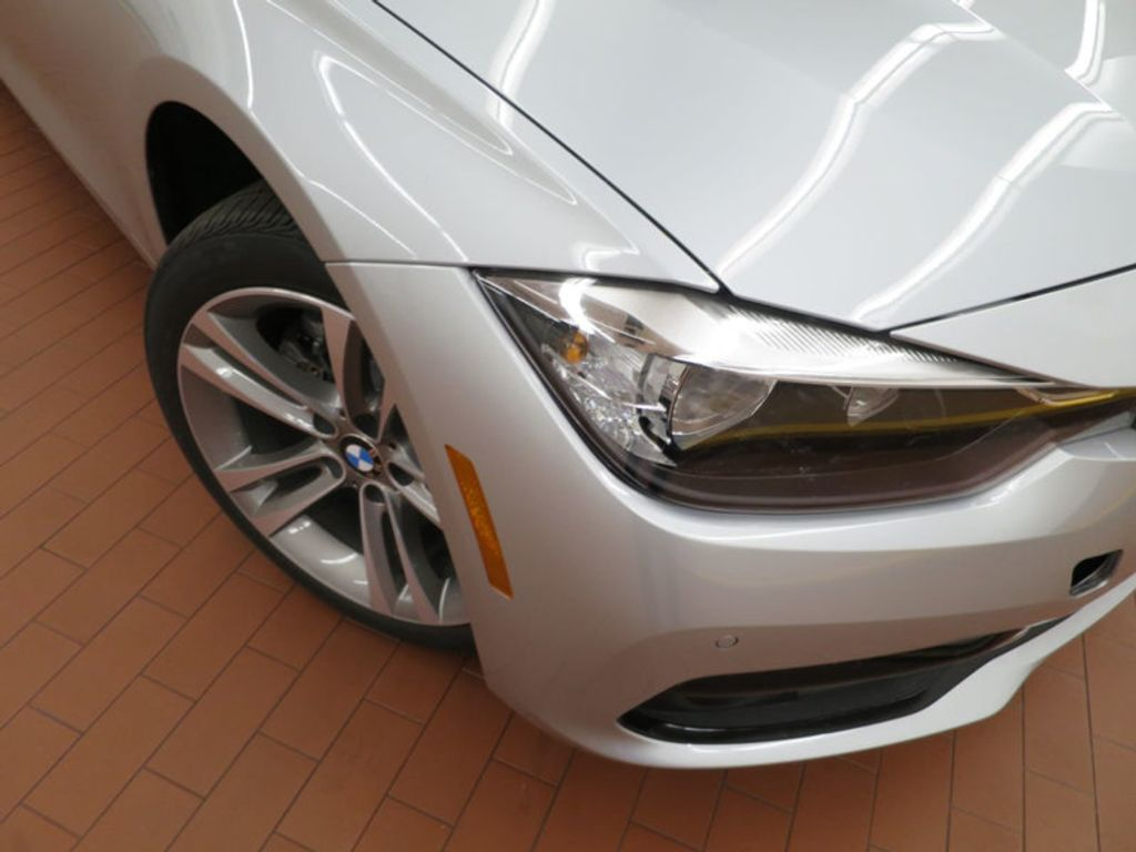 2017 BMW 3 Series 330i - 15659201 - 6