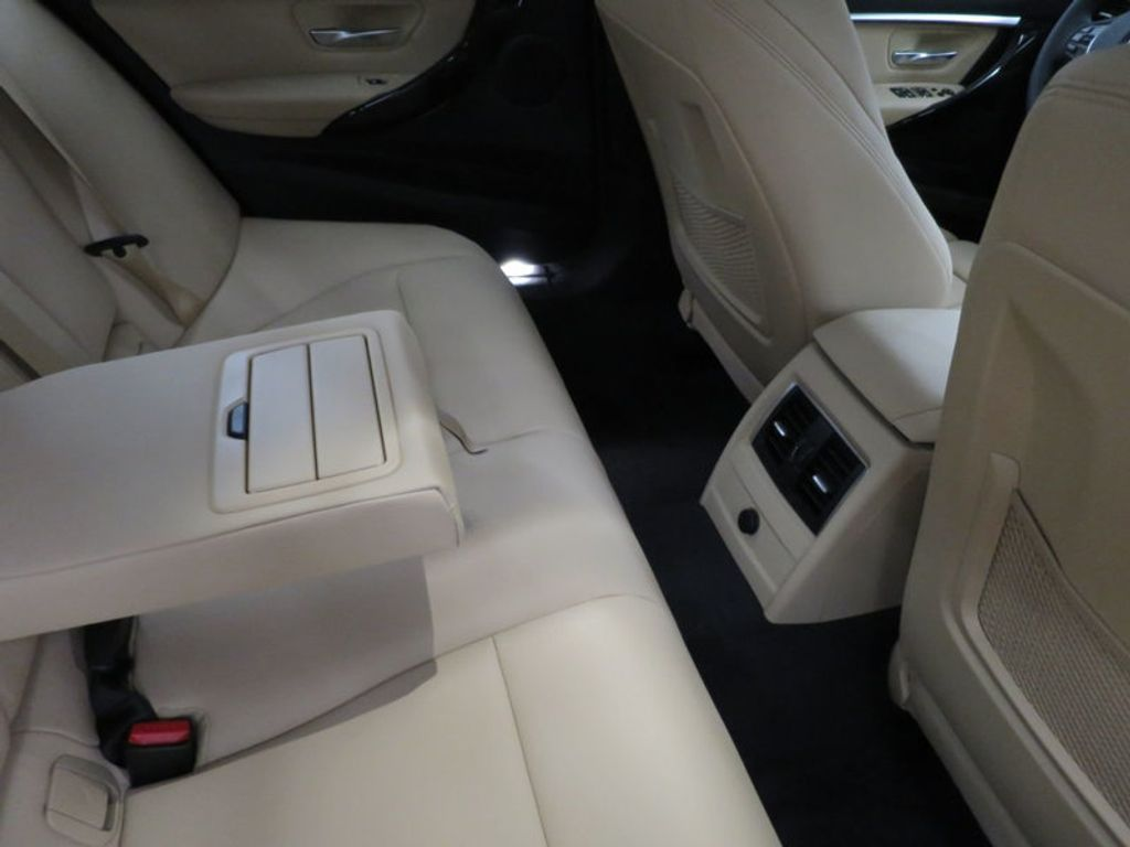 2017 BMW 3 Series 330i - 15749842 - 37