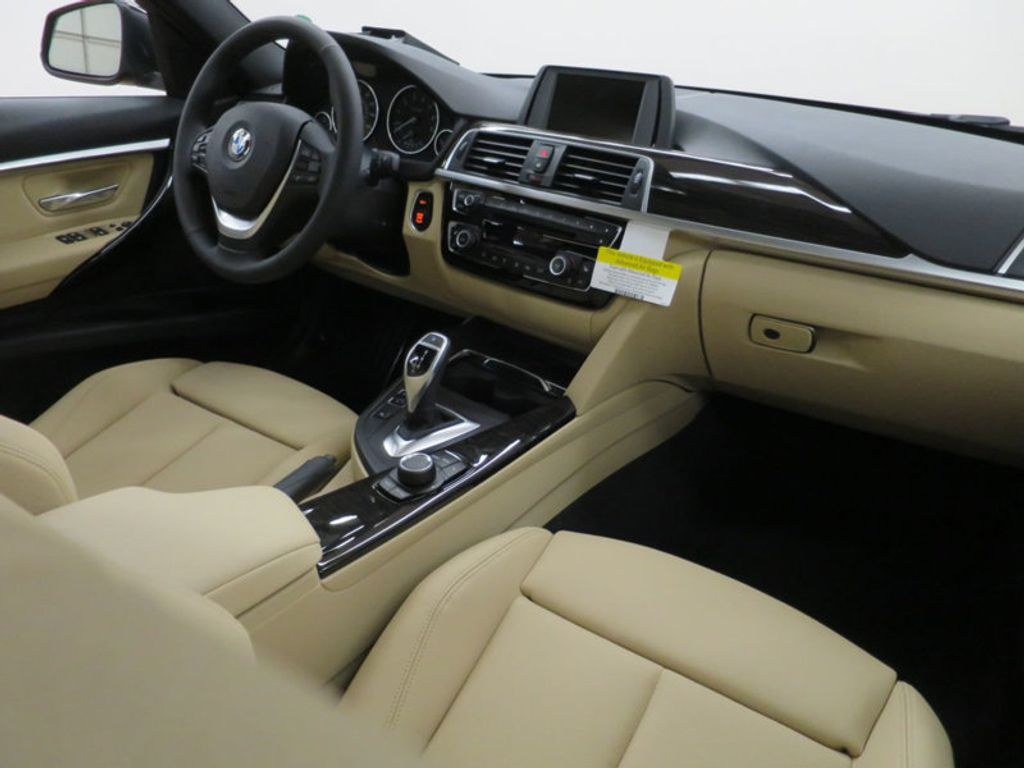 2017 BMW 3 Series 330i - 15749842 - 38
