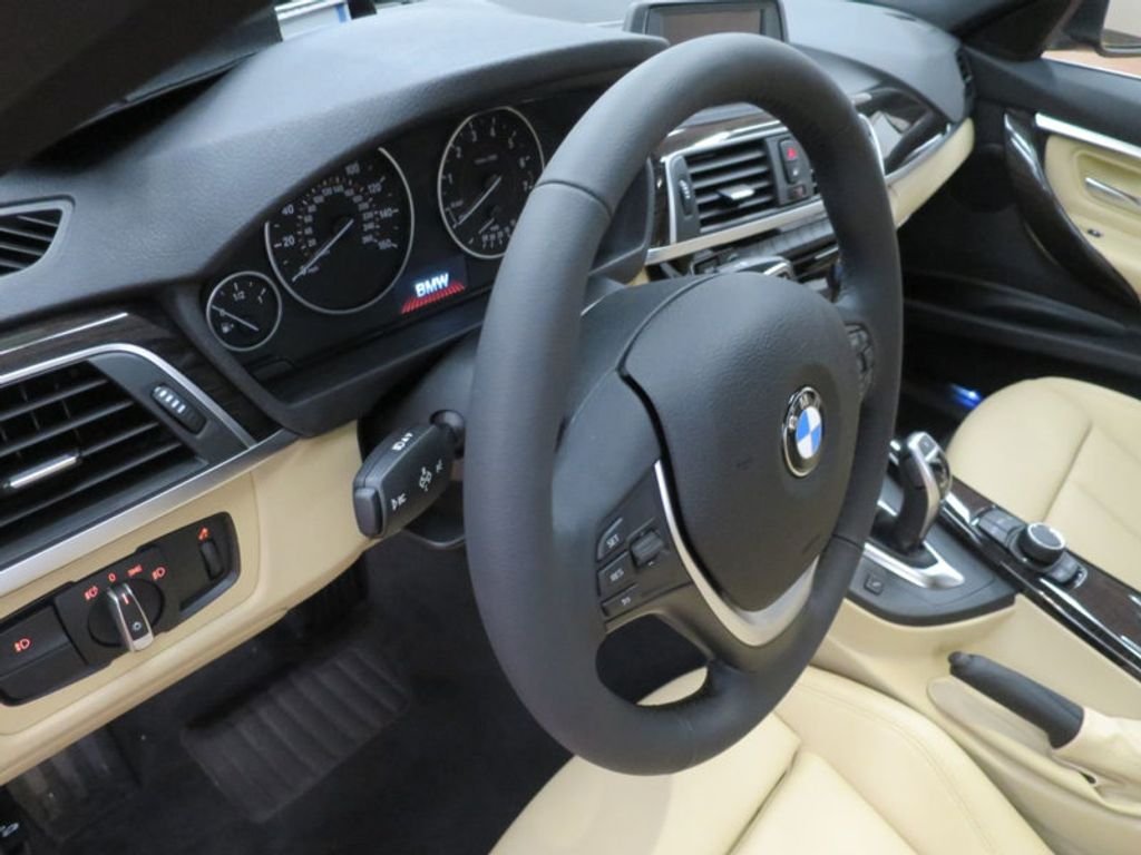 2017 BMW 3 Series 330i - 15749842 - 40