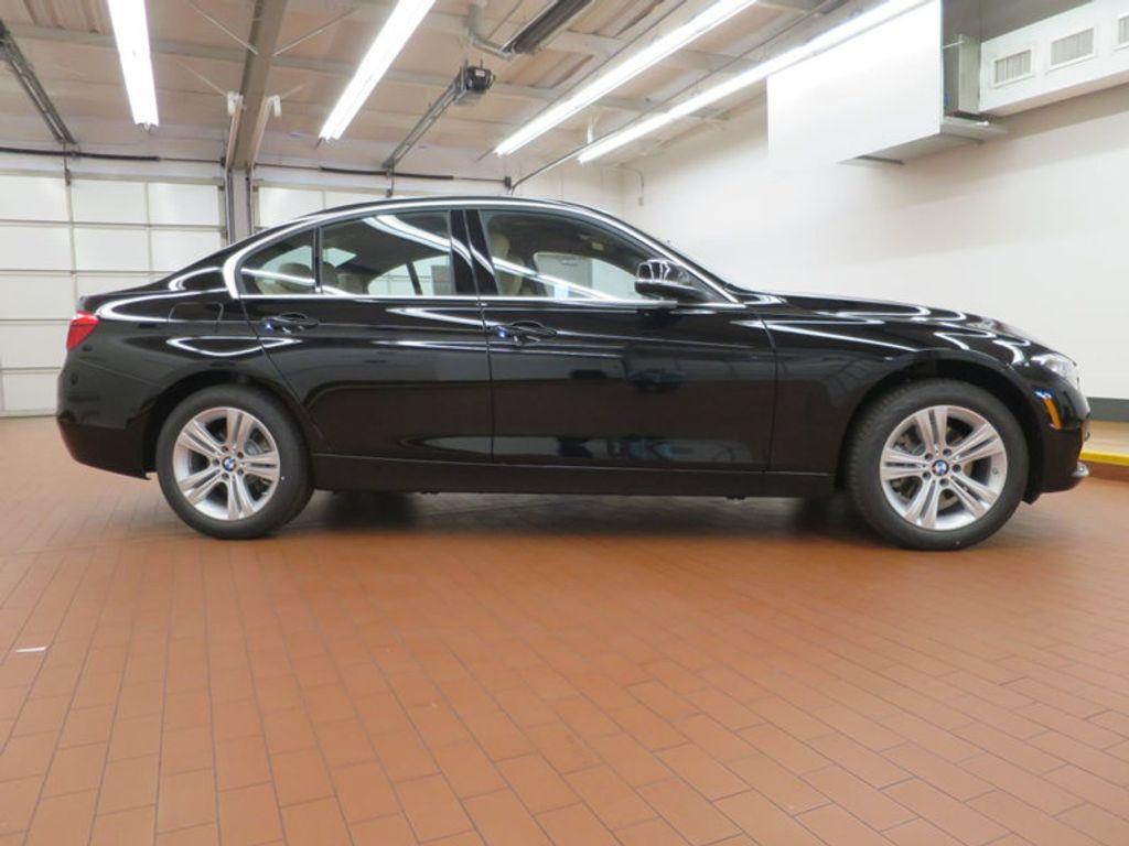 2017 BMW 3 Series 330i - 15749842 - 4