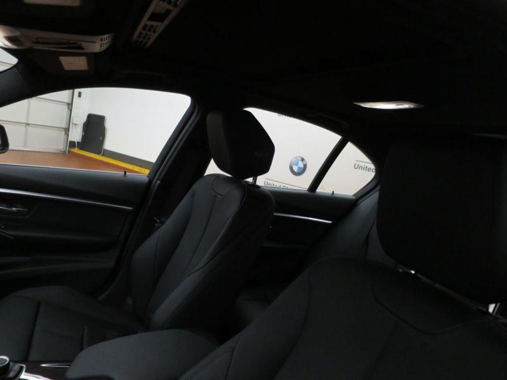 2017 BMW 3 Series 330i - 15749843 - 17