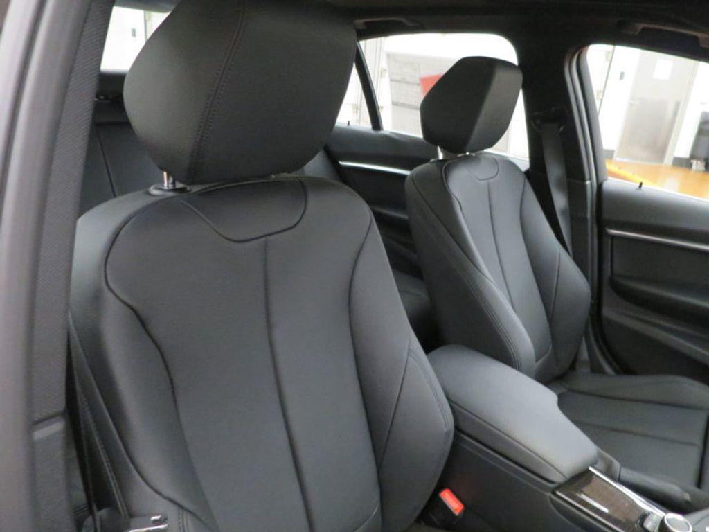 2017 BMW 3 Series 330i - 15749843 - 27