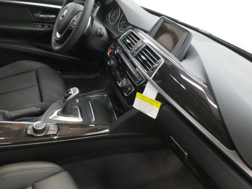 2017 BMW 3 Series 330i - 15749843 - 30