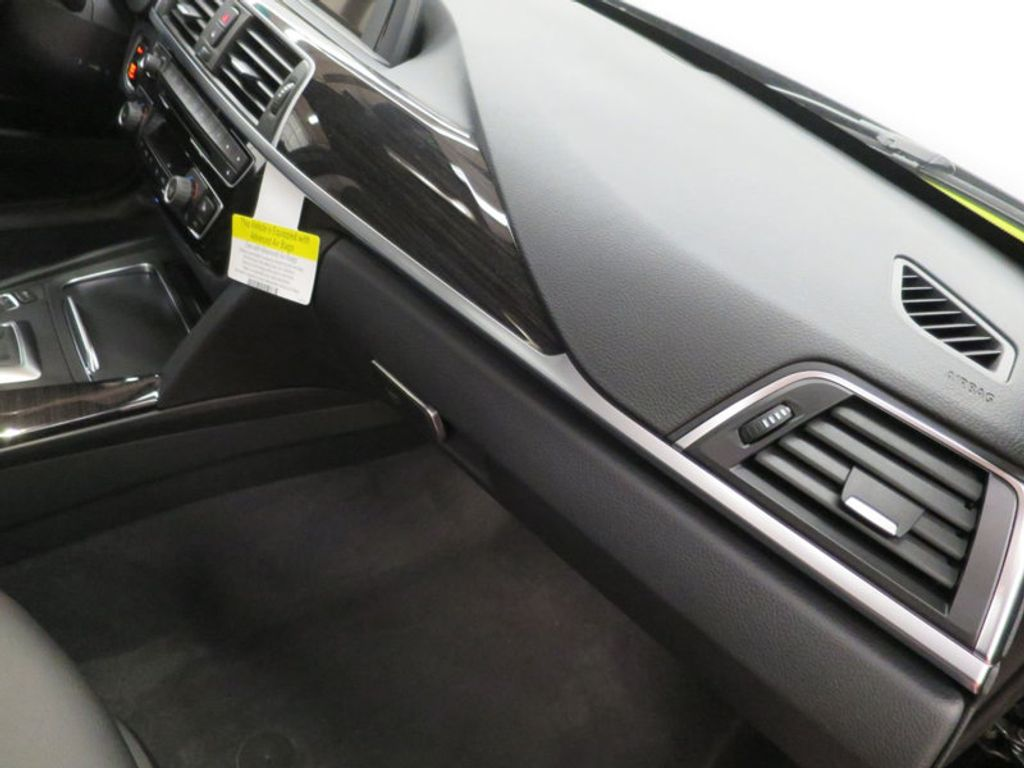 2017 BMW 3 Series 330i - 15749843 - 31