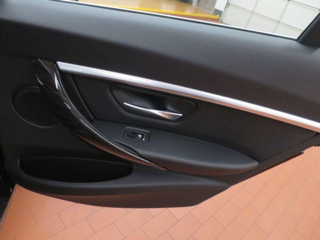 2017 BMW 3 Series 330i - 15749843 - 33