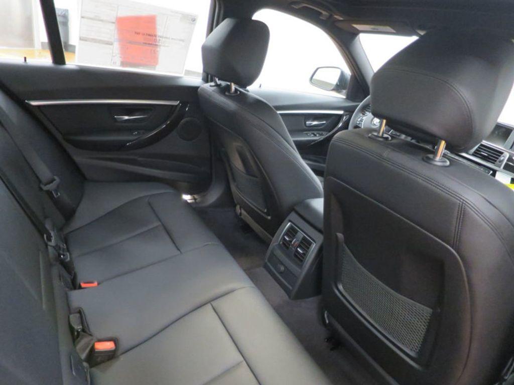 2017 BMW 3 Series 330i - 15749843 - 35
