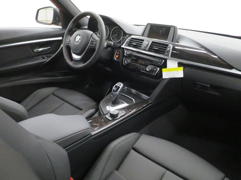2017 BMW 3 Series 330i - 15749843 - 38