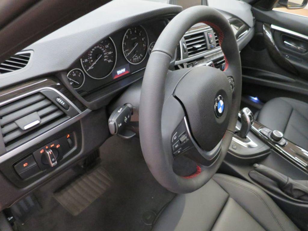 2017 BMW 3 Series 330i - 15749843 - 40