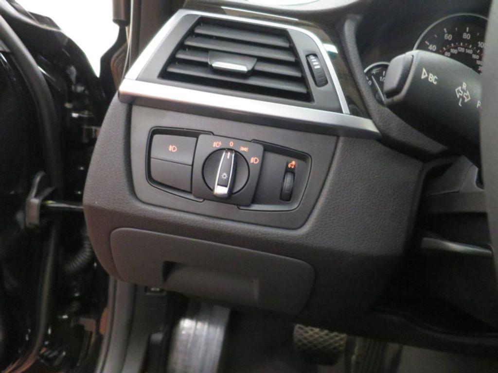 2017 BMW 3 Series 330i - 15749843 - 41