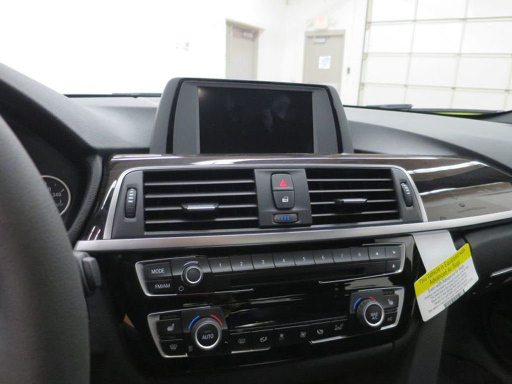 2017 BMW 3 Series 330i - 15749843 - 46