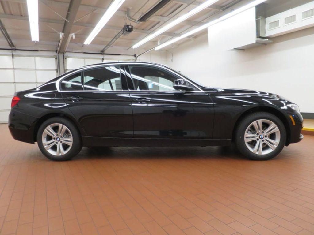 2017 BMW 3 Series 330i - 15749843 - 4