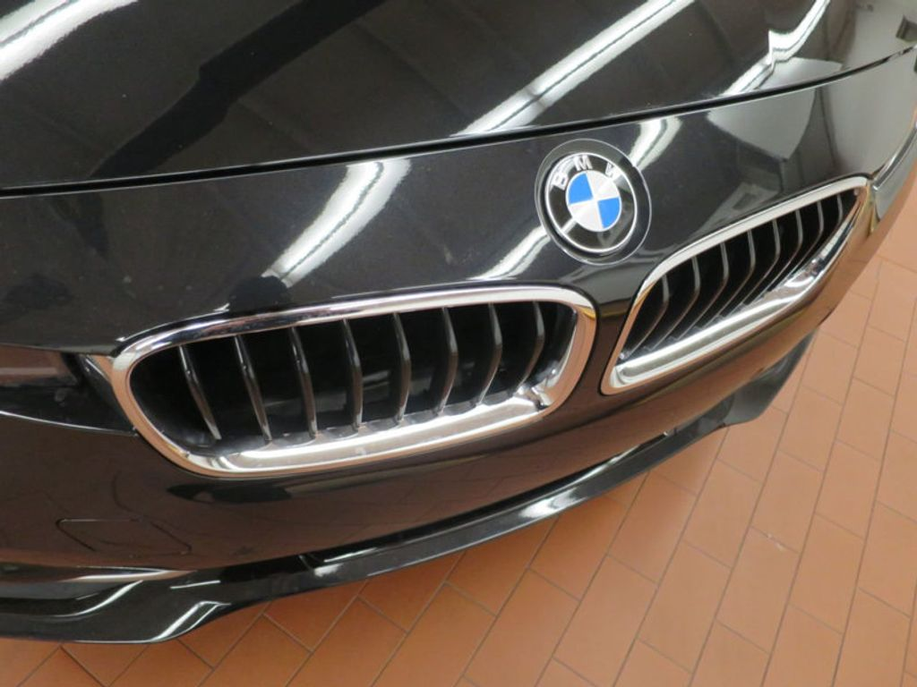 2017 BMW 3 Series 330i - 15749843 - 8