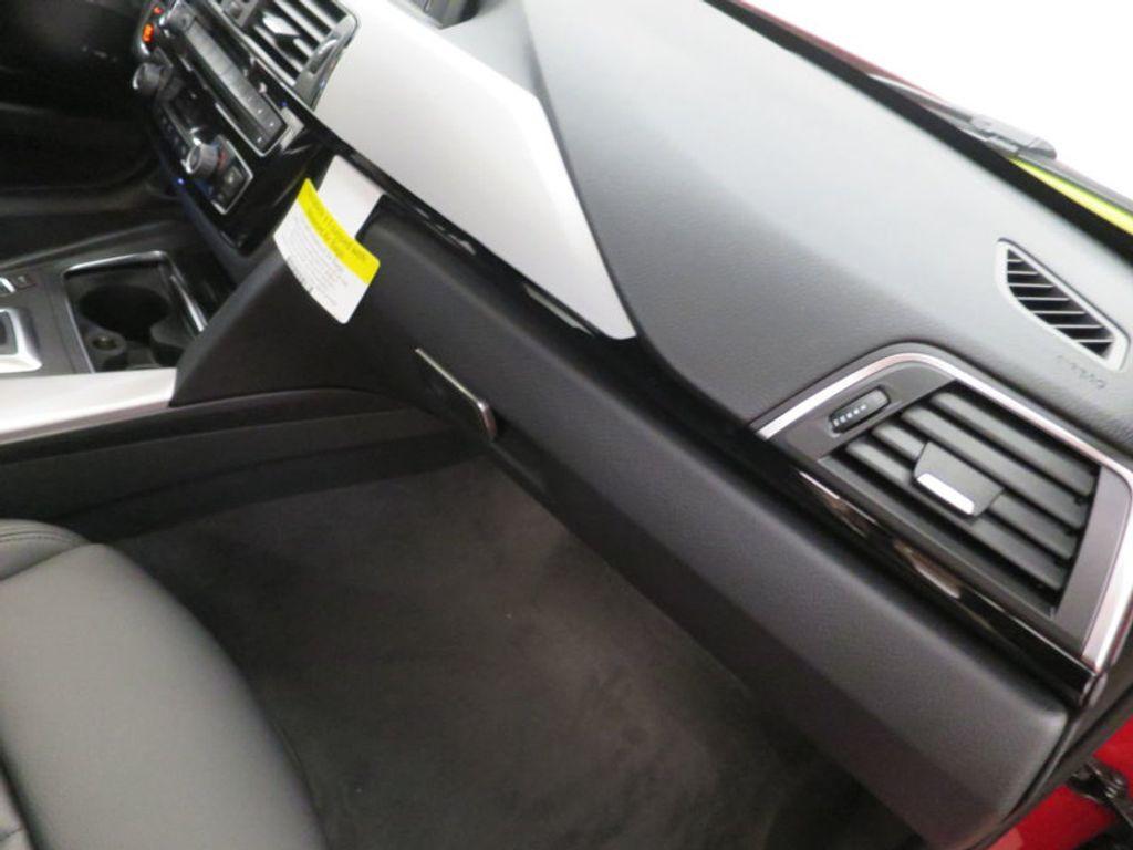 2017 BMW 3 Series 330i - 15749845 - 31