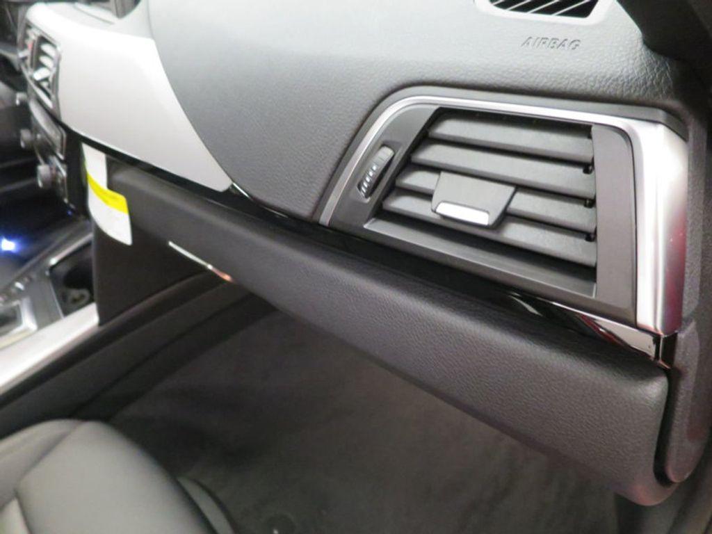 2017 BMW 3 Series 330i - 15749845 - 32