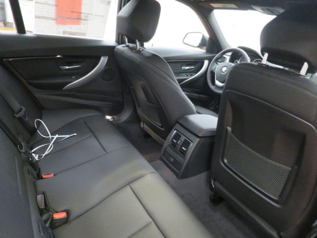 2017 BMW 3 Series 330i - 15749845 - 35