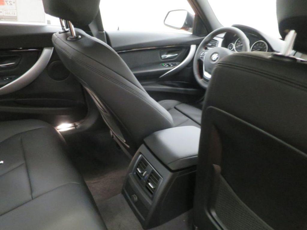 2017 BMW 3 Series 330i - 15749845 - 37