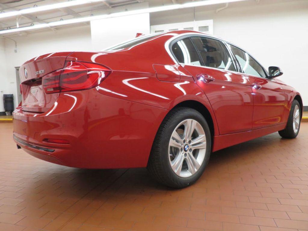 2017 BMW 3 Series 330i - 15749845 - 3