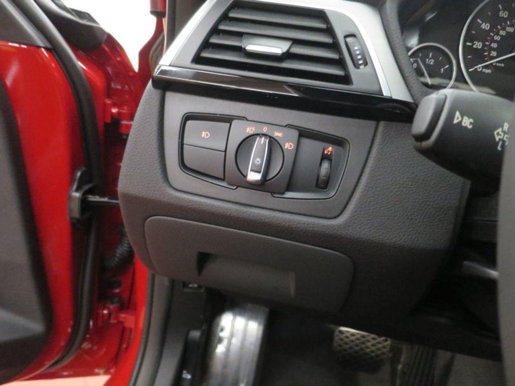2017 BMW 3 Series 330i - 15749845 - 40