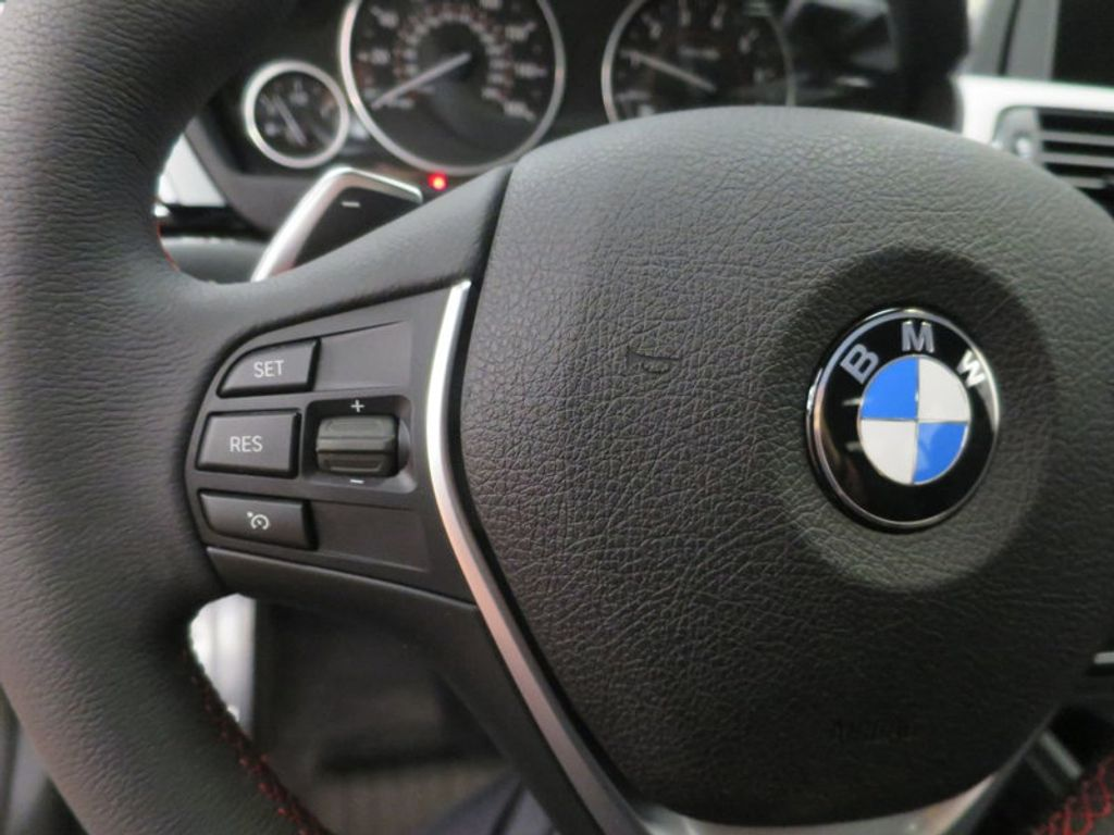 2017 BMW 3 Series 330i - 15749845 - 43