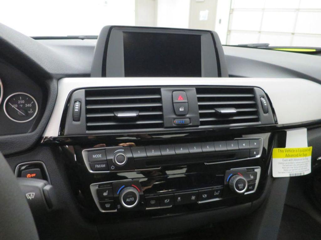2017 BMW 3 Series 330i - 15749845 - 45