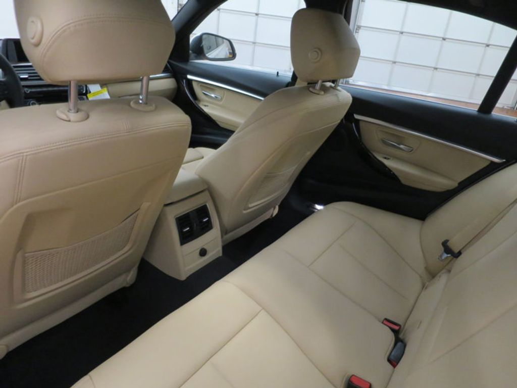 2017 BMW 3 Series 330i - 15754680 - 19