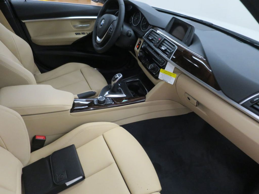 2017 BMW 3 Series 330i - 15754680 - 24